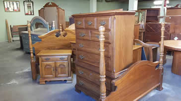 Broyhill Solid Oak Bedroom Set